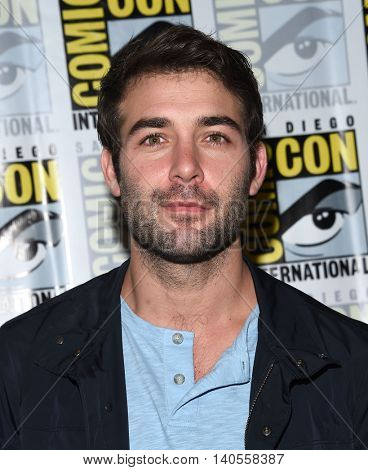 LOS ANGELES - JUL 22:  James Wolk arrives to the Comic Con 2016 - CBS PhotoCall on July 22, 2016 in San Diego, CA