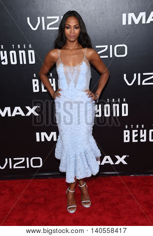 LOS ANGELES - JUL 20:  Zoe Saldana arrives to the