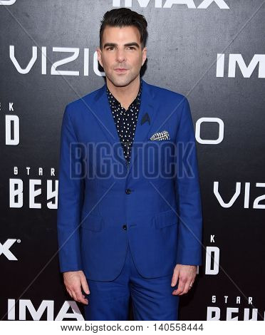 LOS ANGELES - JUL 20:  Zachary Quinto arrives to the