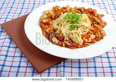 Spaghetti With Stewed Meat And Onion Gravy