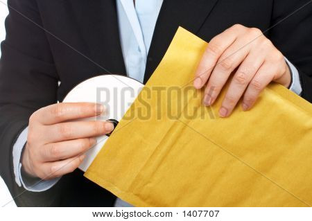 Put Dvd Disc On The Envelope