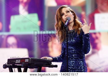 NEW  YORK-NOV 13: Singer Sydney Sierota of Echosmith performs on stage during VH1's 2nd Annual 'You Oughta Know Live In Concert' 2014 at Hammerstein Ballroom on November 13, 2014 in New York City.
