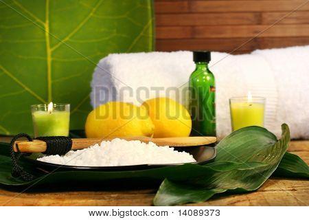 Sea salt, lemons and leaves spa session