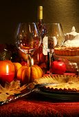 Постер, плакат: Таблица элегантно набор с вином для благодарения