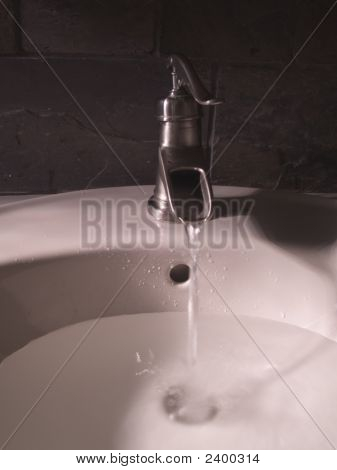 Classic Faucet Filling Sink
