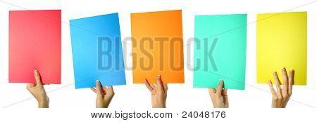 Colorea el papel en mano femenino.
