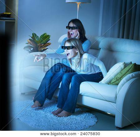 Mutter mit Tochter gerade 3d Film im Fernsehen