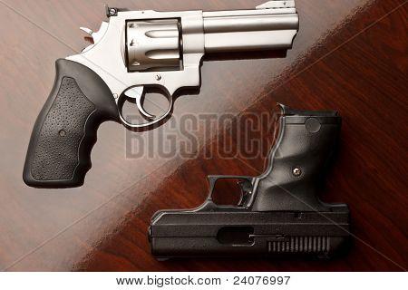 Revolver Vs Handgun