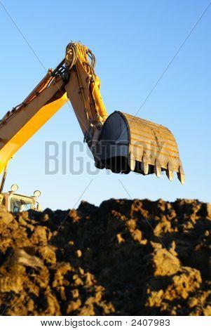 Excavador hidráulico en el trabajo