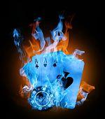 Постер, плакат: старые старинные карты и азартные игры чип