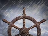 Постер, плакат: корабли колесо шторм