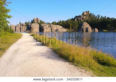 Sylvan Lake und Black Hills Felsformationen entlang des Highways Nadeln