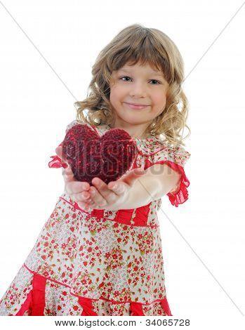 Kleines Mädchen-Betrieb-Herz