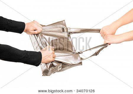 Un ladrón tratando de robar un bolso de una chica aislado sobre fondo blanco