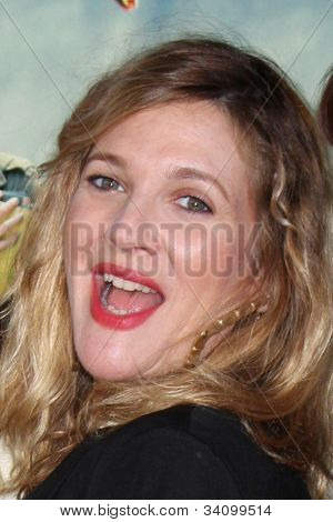 LOS ANGELES - JUN 18:  Drew Barrymore arrives at the
