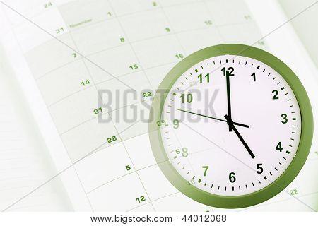 Face do relógio e calendário composto