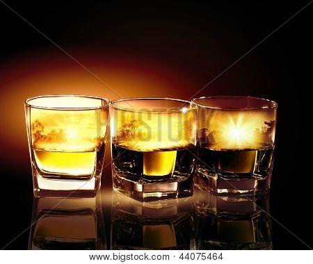Tres vasos de whisky