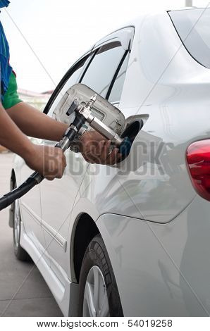 Refill Cng Gas At Fuel Station