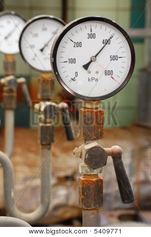 Manometers Pressure Gas Line With Valve