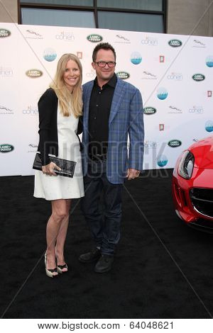 LOS ANGELES - APR 25:  Lauralee Bell, Scott Martin at the 2014 LA Modernism Show Opening Night at 3Lab on April 25, 2014 in Culver City, CA