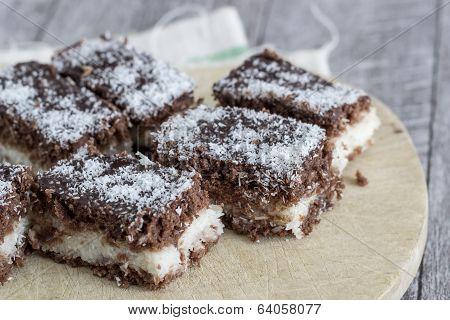 Small Lamington Cakes