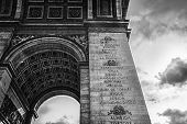 foto of bonaparte  - The triumphal arch at the beginning of the Avenue des Champs - JPG