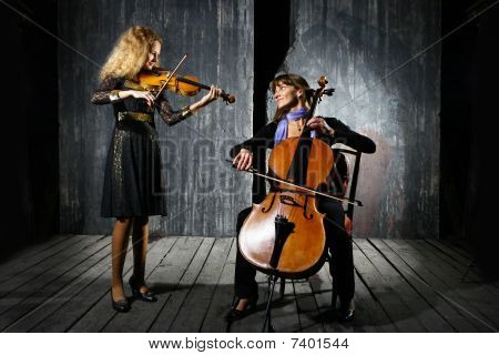 Ð¡ello And Violin Musicians