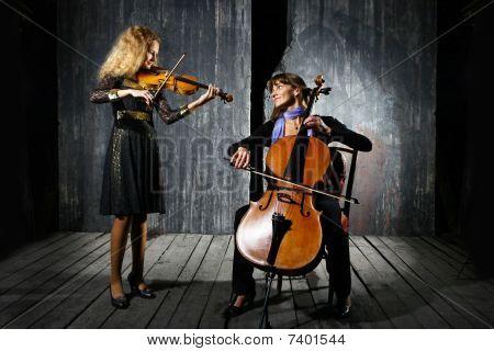 Ð¡ello And Violin Musicians