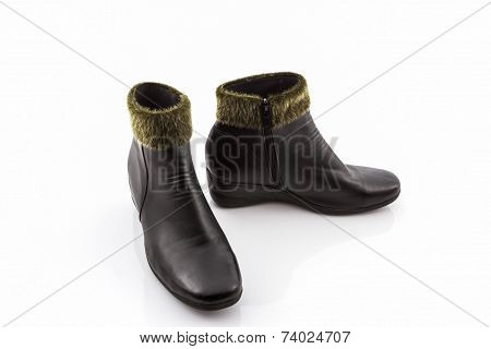 Black Fluffy Woolly Warm Boots.