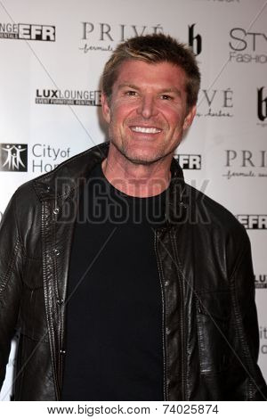 LOS ANGELES - OCT 15:  Winsor Harmon at the Sue Wong