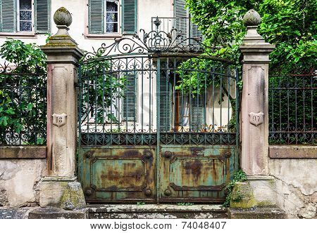 Old House Gates With Cast-iron Lattice