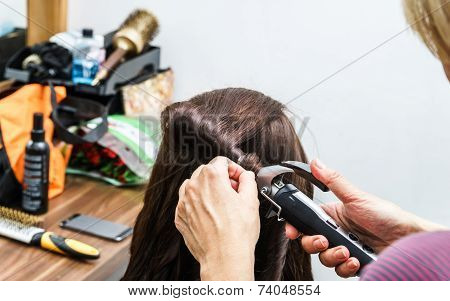Process Of Frizzle While Hair-dressing