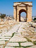 foto of cardo  - Main street cardo in Roman city. Jerash Jordan  - JPG