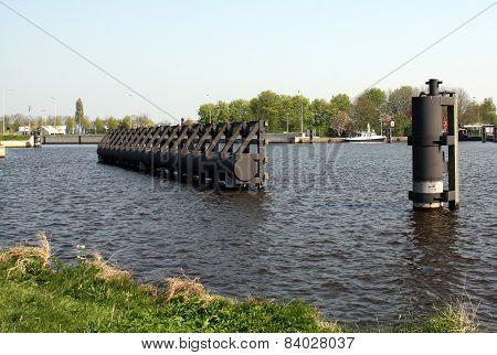 Mooring posts