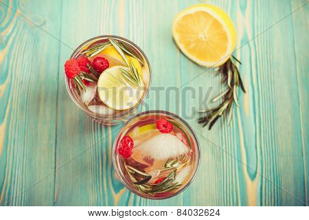 detox water in cups