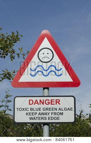 Blue green algae sign