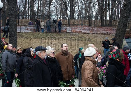 Vladimir Kara-murza In The Queue Funeral Politician Boris Nemtsov