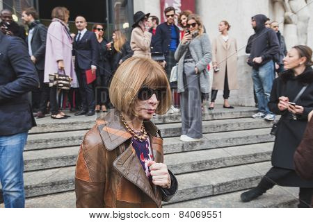 Anna Wintour Outside Ferragamo Fashion Show Building For Milan Women's Fashion Week 2015