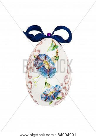 Beautiful Painted Easter Egg With Blue Bow