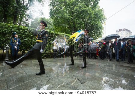 Laying Flowers Ceremony To The Tomb Of The Unknown Soldier