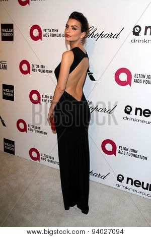 LOS ANGELES - MAR 3:  Emily Ratajkowski at the Elton John AIDS Foundation's Oscar Viewing Party at the West Hollywood Park on March 3, 2014 in West Hollywood, CA