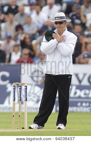 CHESTER LE STREET, ENGLAND - August 09 2013: Umpire Tony Hill signals a reversed decision and gives Joe Root out caught Brad Haddin off the bowling of Shane Watson during the Ashes 4th test match