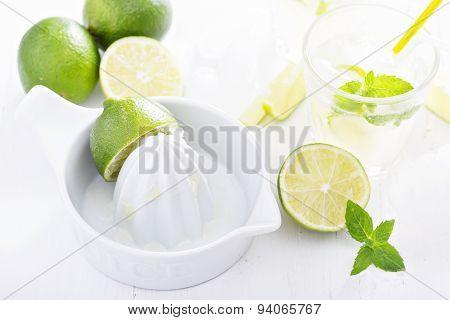 Preparing lime mojito lemonade