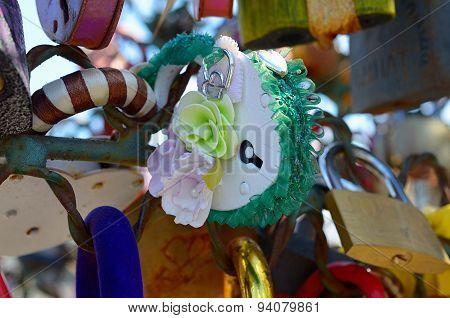 Colored wedding locks.