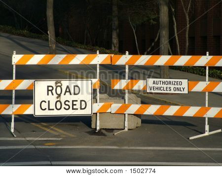 Road Closed.