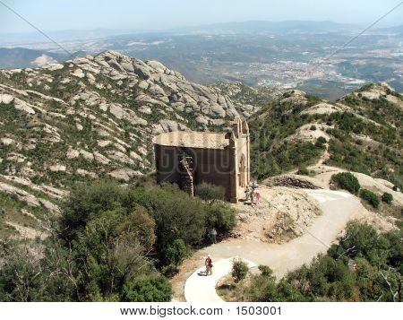Camino a la montaña de Monserrat