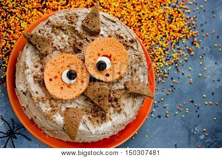 Funny cake for Halloween party animal-shaped owl cake chocolate cake with cream delicious dessert for kids