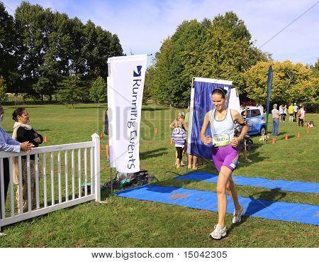 Marathon runner sprint to finish