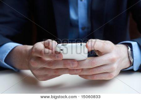 Empresario en teléfono