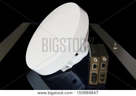 Antenna high speed relay communication with optical modules.